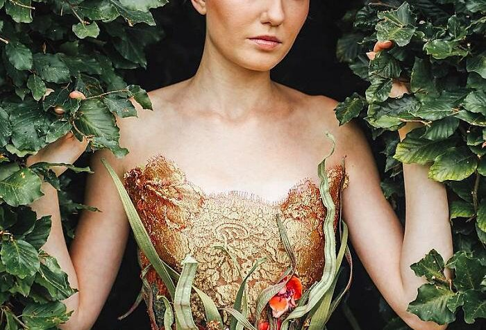 Sylvie Facon una stilista francese che crea abiti da regina delle fiabe