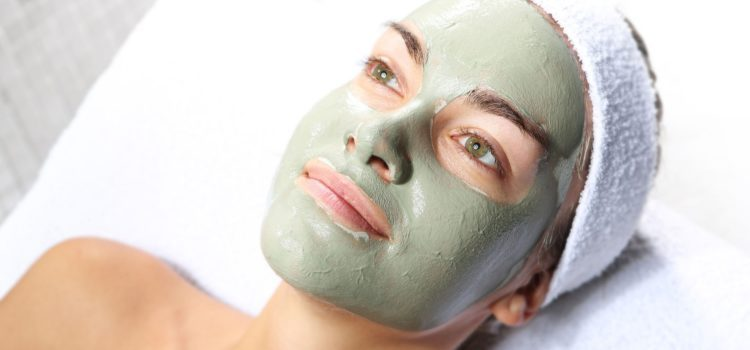 Maschera purificante all'argilla verde